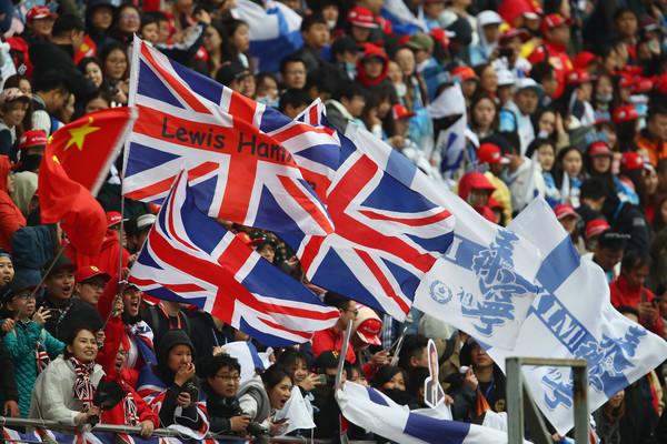Lewis+Hamilton+F1+Grand+Prix+China+Qualifying+PafEwpgbxlDl.jpg