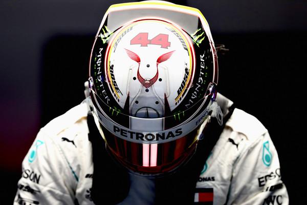 Lewis+Hamilton+F1+Grand+Prix+China+Qualifying+9g1JUGD_y4Bl.jpg