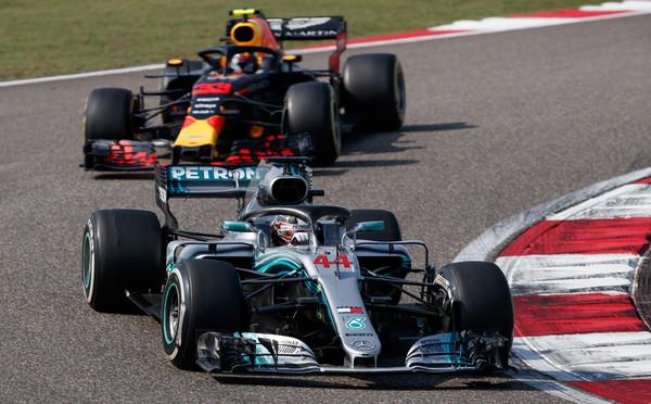 Lewis+Hamilton+F1+Grand+Prix+China+HdIaWYTyK8il.jpg