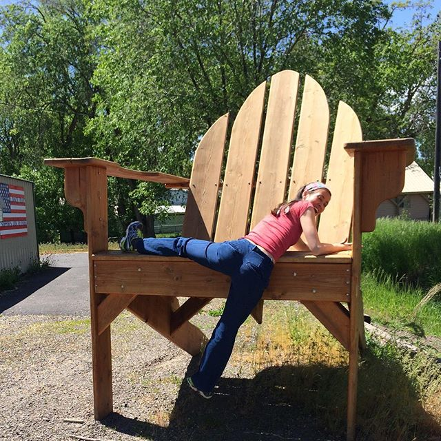 What if I said the chair was normal size? . . . . #nephilim#littlepeople#deliciouslyhealthy#jennifermac#thejennifermac#deliciouslyhealthy#idaho#idahome#idahome❤️#idahoraised#councilidaho#roadtripusa#roadtrip#roadtrippin