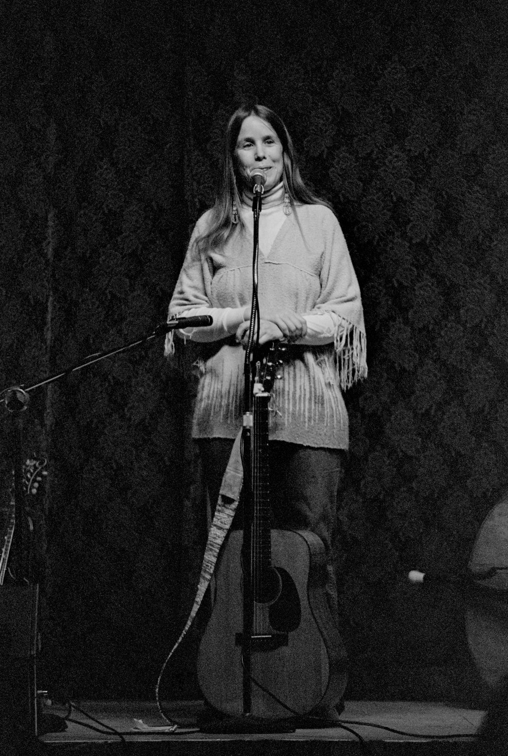 Kate Wolf at Crown Hall in Mendocino in 1982. Photo by Nicholas Wilson.