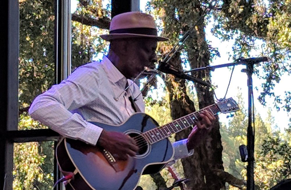 Keb' Mo' (on the Main stage)