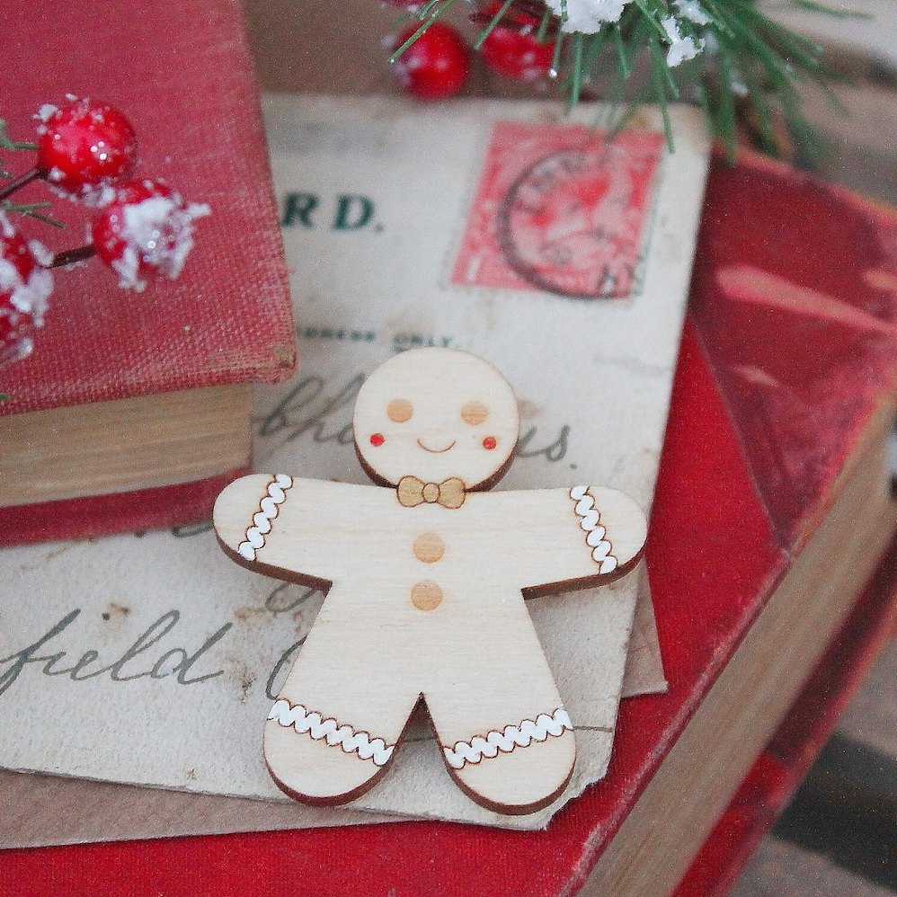 Gingerbread Brooch