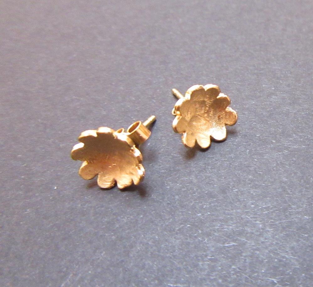 Gold Briar Flower Studs