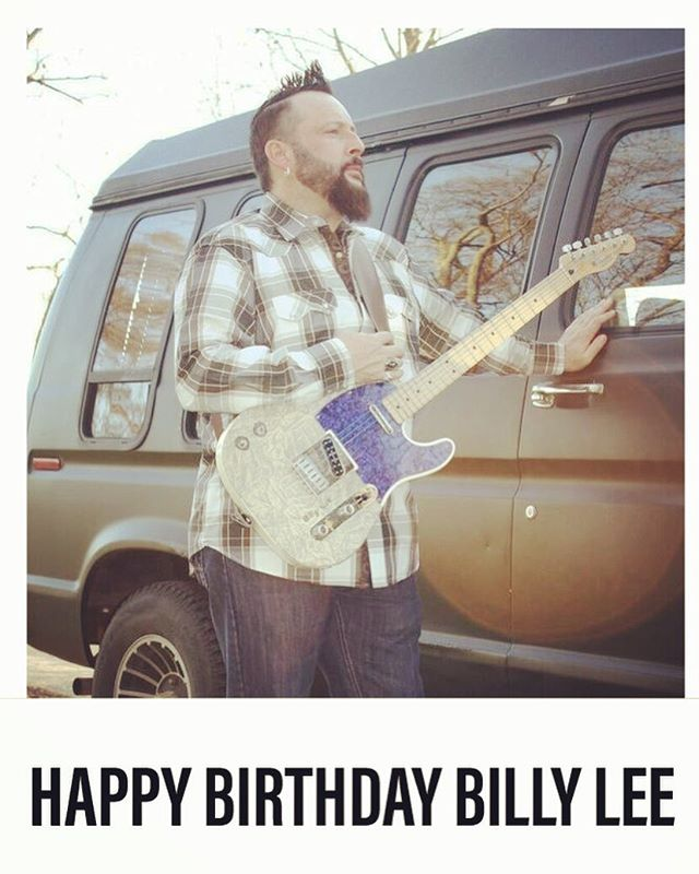 Wishing Truckstop Honey's own Billy Lee a Happy Birthday!!! 🎉