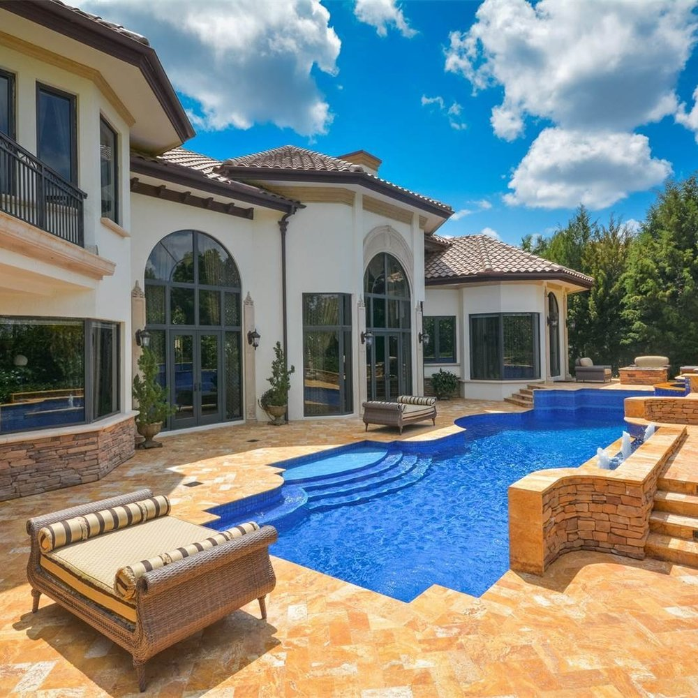 luxury_villa_florida_architecture_pool_spa_backyard.jpeg