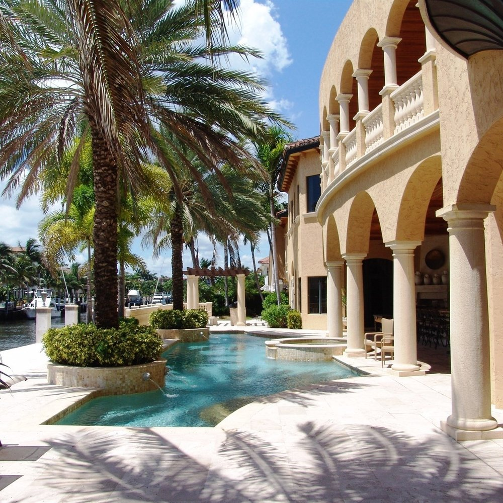 florida_architecture_backyard_oceanfront_pool_villa_luxury_mansion.jpg