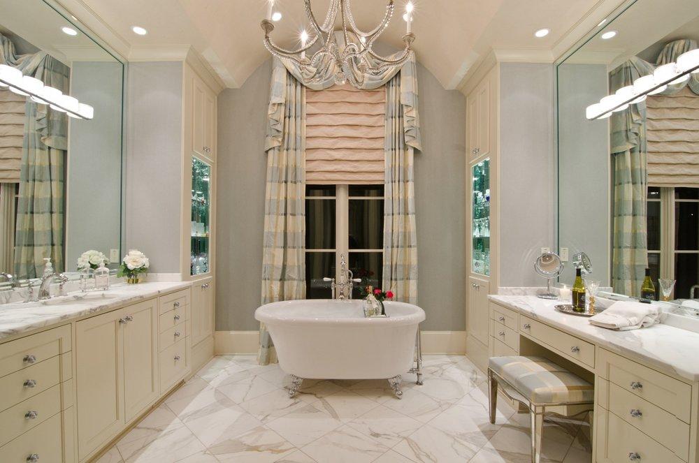 spacious-master-bathroom-white-bathtub.jpg