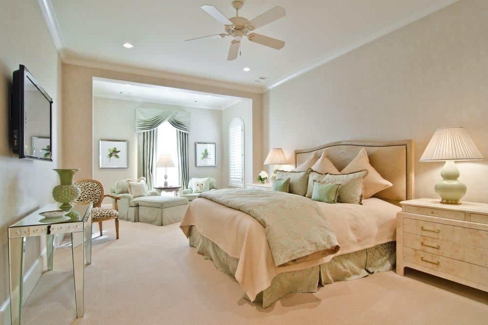 guest-bedroom-sitting-area.jpg