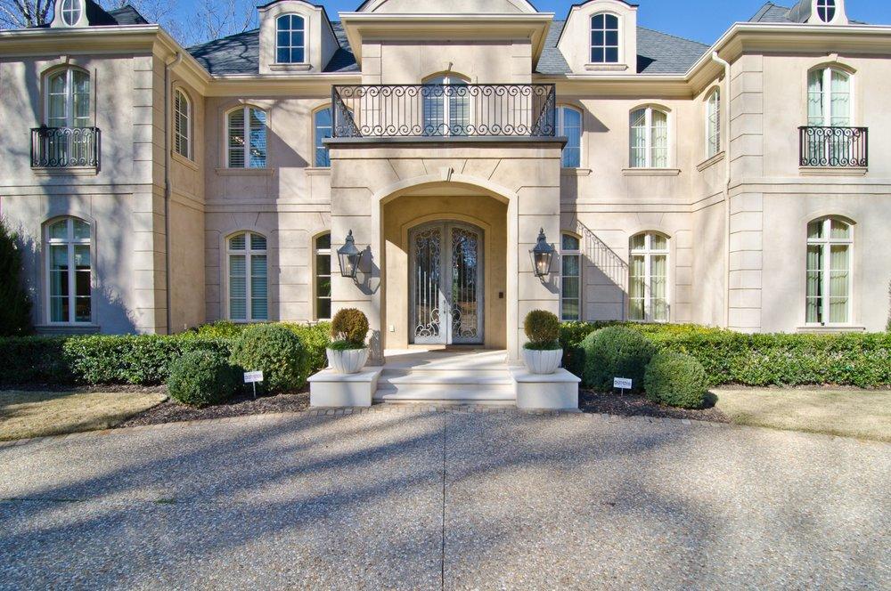 impressive-entryway-mansion.jpg