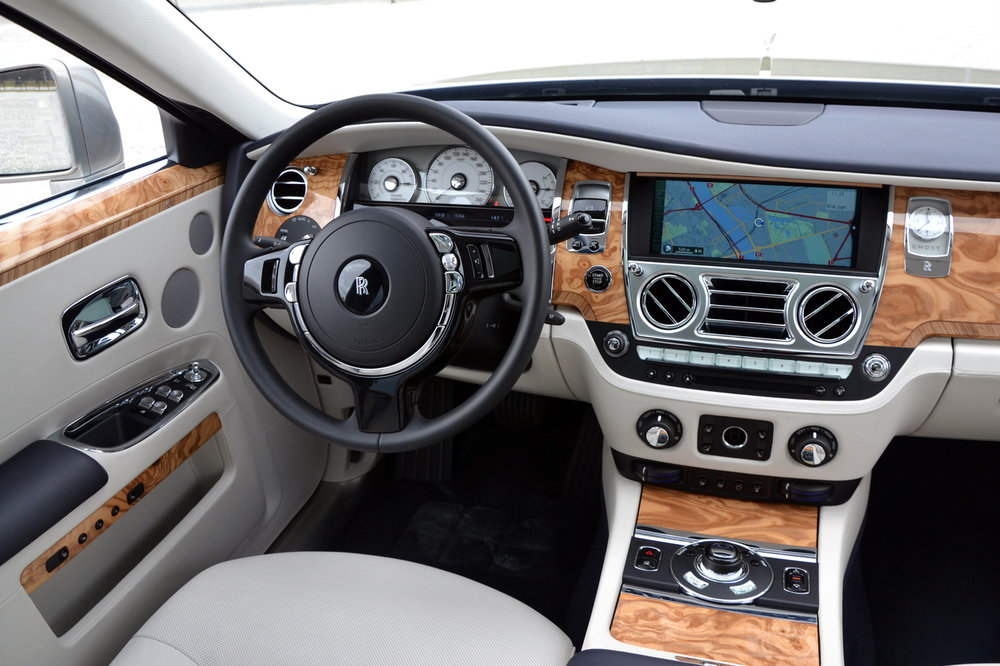 rolls royce ghost interior driver's seat