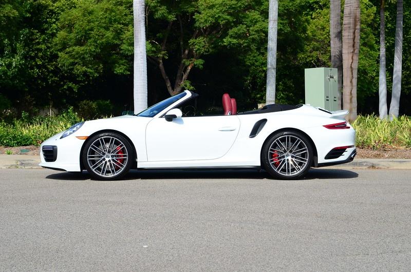 Feel like a race car driver in the Porsche 911 -