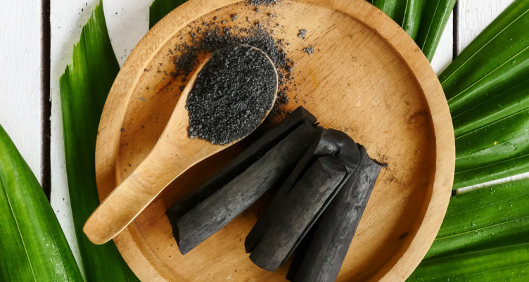 Activated-Charcoal_What-is-activated-charcoal-752x401.jpg