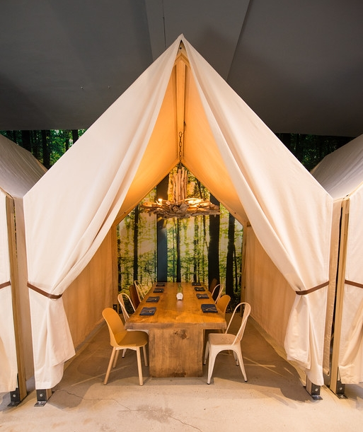 Safari style dine-in tents to enjoy food & beverages with a group or party that wants to enjoy dining in the style of the outdoors.