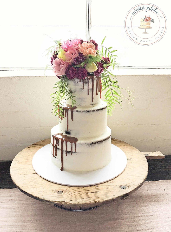 Lucy wedding cake.jpg