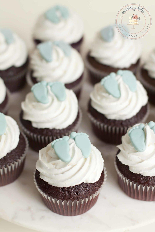 Courtney cupcakes.jpg