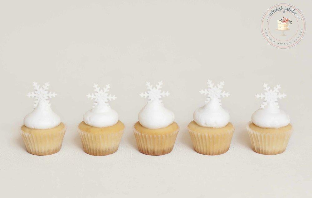 mini snowflake cuppies.jpg