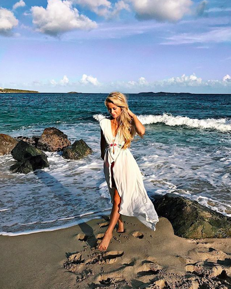 - Summer beach days call for lightweight, gauzy fabric! Twirl into vacay-ready style with this white embroidered maxi dress!@oliviarink is 4'11