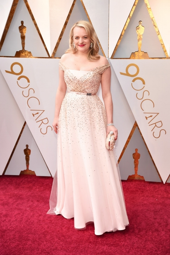 elisabeth-moss-oscars-2018-red-carpet.jpg
