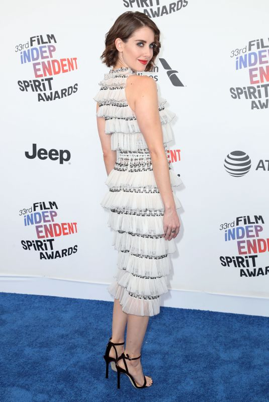 alison-brie-at-2018-film-independent-spirit-awards-in-los-angeles-03-03-2018-8_thumbnail.jpg