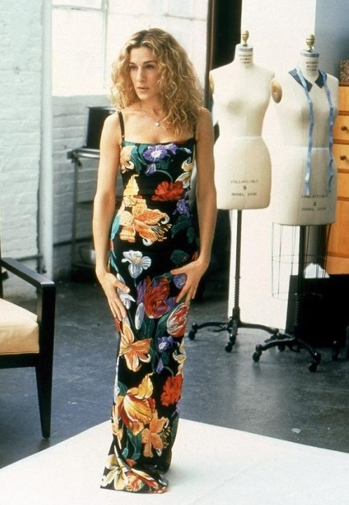 001-carrie-bradshaw-outfits.jpg