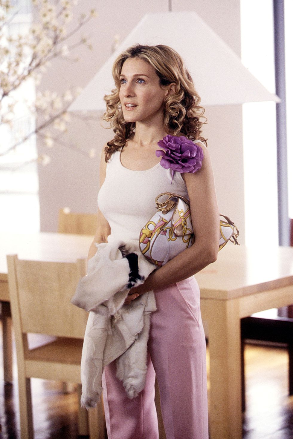 031-carrie-bradshaw-outfits.jpg