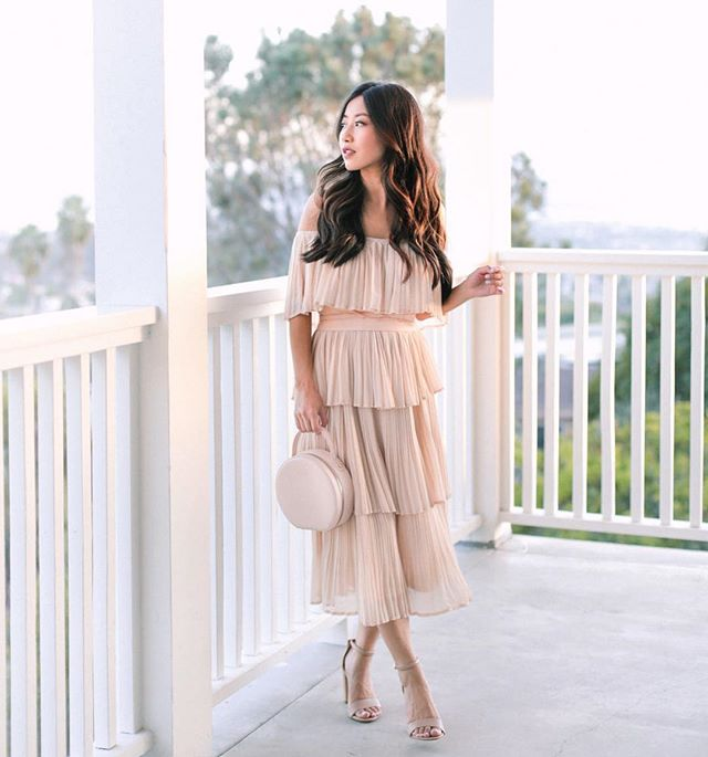 "The off the shoulder ruffles and flattering fit makes this tiered pleated dress perfect for your next special occasion! We love it with nude heels! @extrapetite is 5'0"" Dress: Morning Lavender  Small Heels: Sam Edelman  US5.5 Bag: tde. #petiteAMIE #petiteAMIEstyle #petite #petites #petitefashion #lookbook #ootd #instafashion #instastyle #outfitideas #fashiondiaries #fashionblogger #style #fallstyle #offtheshoulder #pleateddress #rosepink"