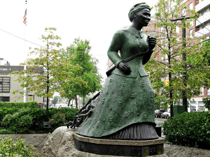 Photo of Harriet Tubman statue in Harlem