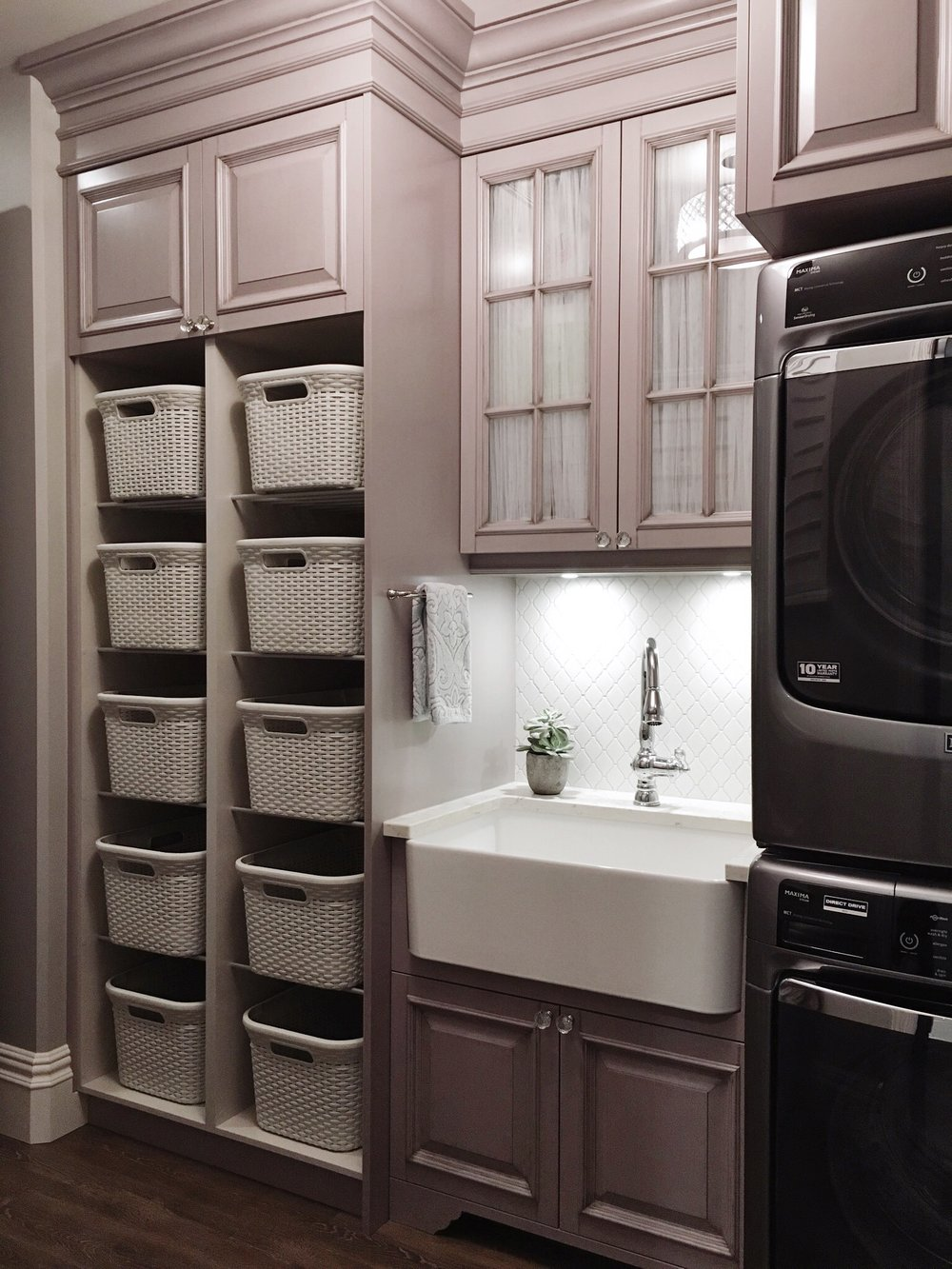 12 laundry room ideas for big families building or renovating jan 12 12 laundry room ideas for big families building or renovating solutioingenieria Gallery