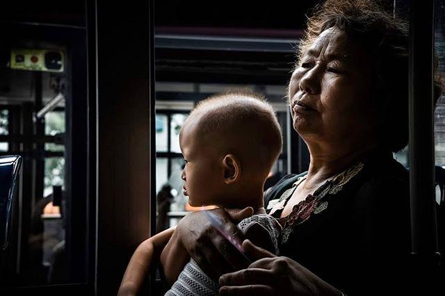 China 2015 © Arek Rataj #china #asians #travelphotographer #travelphotos #streets #streetphotography #bus #diffusedlight #rembrandtlighting #familyphotography #togetherness #photographyincolor #colorphotography #urbanphoto #traveltoday.tv