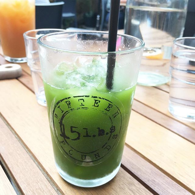 Perfect ditoxifying drink at @fifteenpoundscafe in Fairfield, Melbourne 👌🙏🏼💚