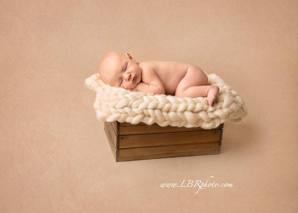 Tempe-newborn-Ahwatukee.jpg