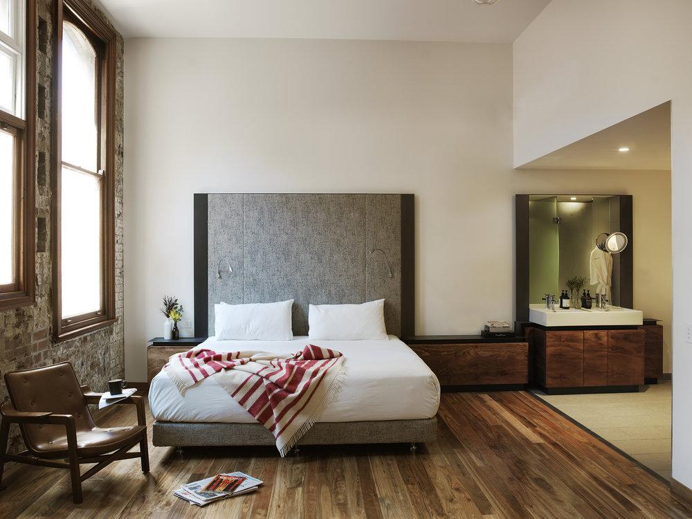 房间之一:Clare Room (image credit: the old clare hotel)