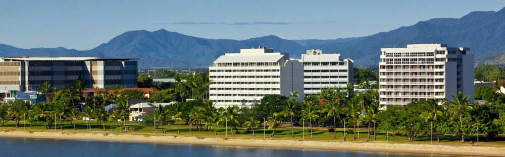 holiday-inn-cairns-5319432196-16x5.jpeg