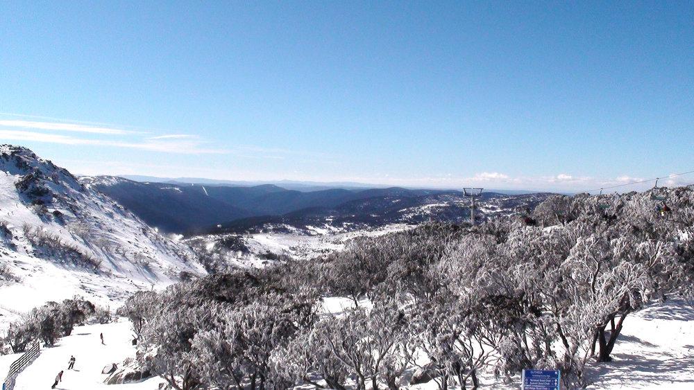 Perisher最高山顶俯瞰。作者摄影