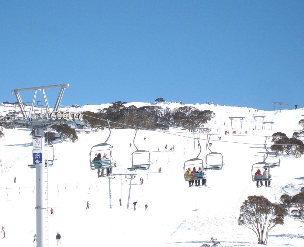 Smiggin Holes滑雪场缆车。作者摄影