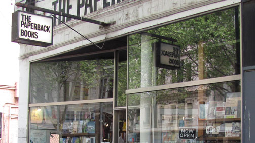 The Paperback Bookshop。图片来自Visit Melbourne