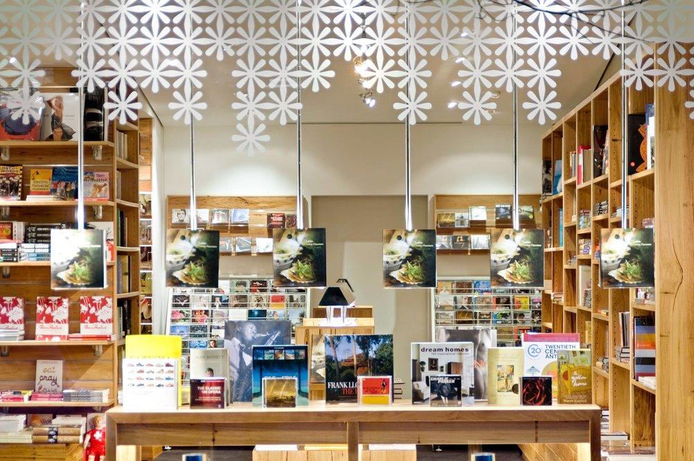 Coventry Bookstore。图片来自Clipgoo.com