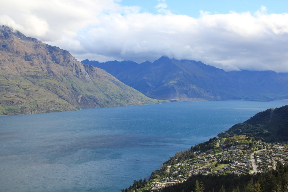 UPSOUTH-Mingming-Feng-Queenstown-Mountains-View-08.jpg