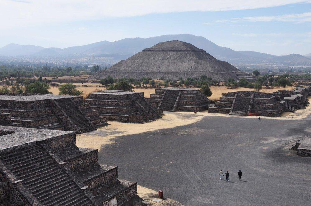 墨西哥太阳金字塔(作者摄)