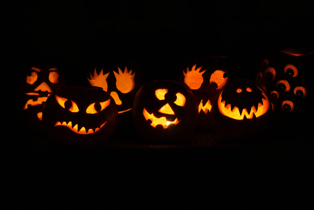 B16_Oct11_Carved_Pumpkins_Lit_Up.jpg