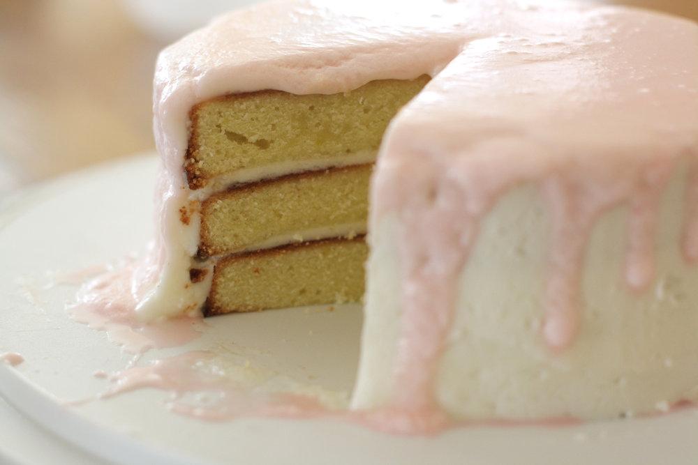 B16_Jun02_Vanilla_Cake_Pink_IcingR.jpg