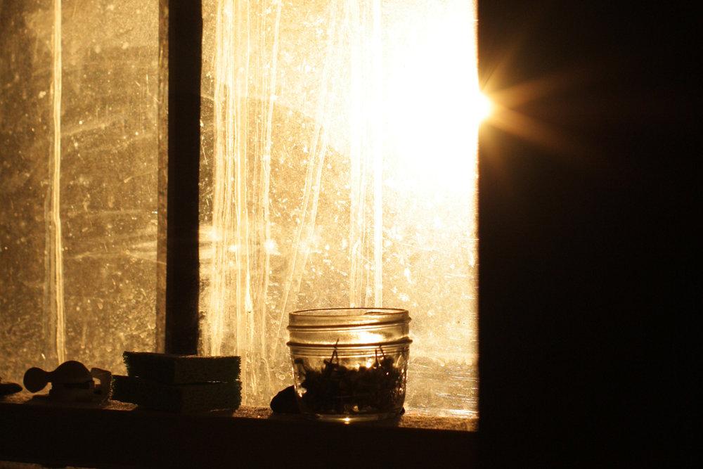 B16_Apr01_Kitchen_Window_Sunset_02.jpg