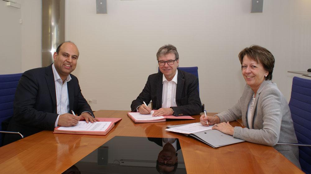 Gemeindepräsident Jean-Philippe Pinto (Volketswil), Stadtpräsident Lothar Ziörjen (Dübendorf) und Gemeindepräsidentin Marlis Dürst (Wangen-Brüttisellen)