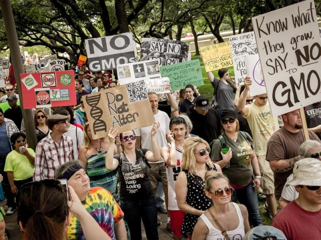 march-against-monsanto-rally-in-dallas_005734
