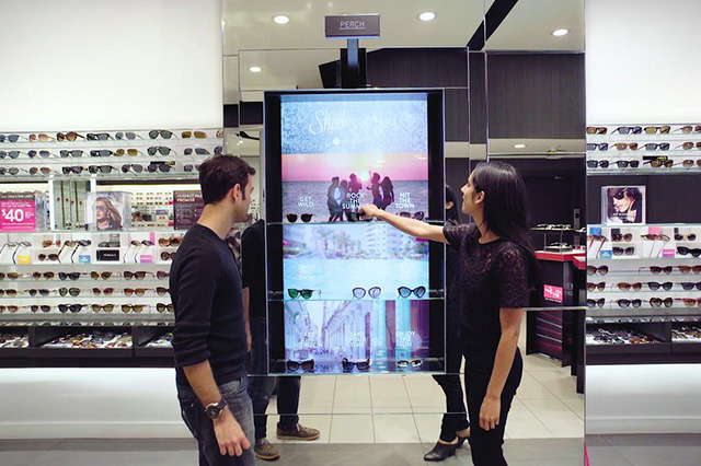 Sunglass hut - Interactive sunglass display