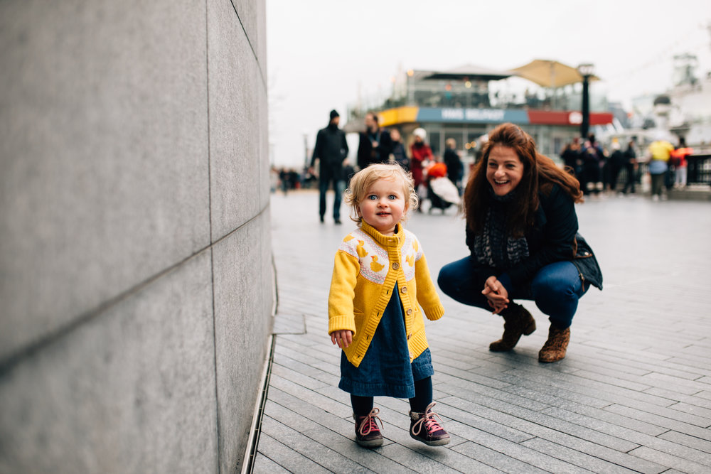 Mum and toddler, London Bridge Family Photoshoot