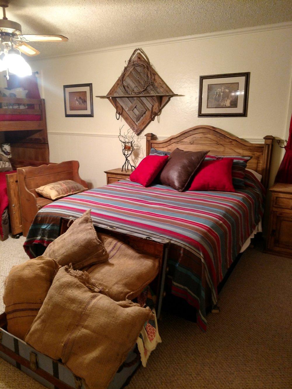 Howdy Roo Queen Bed