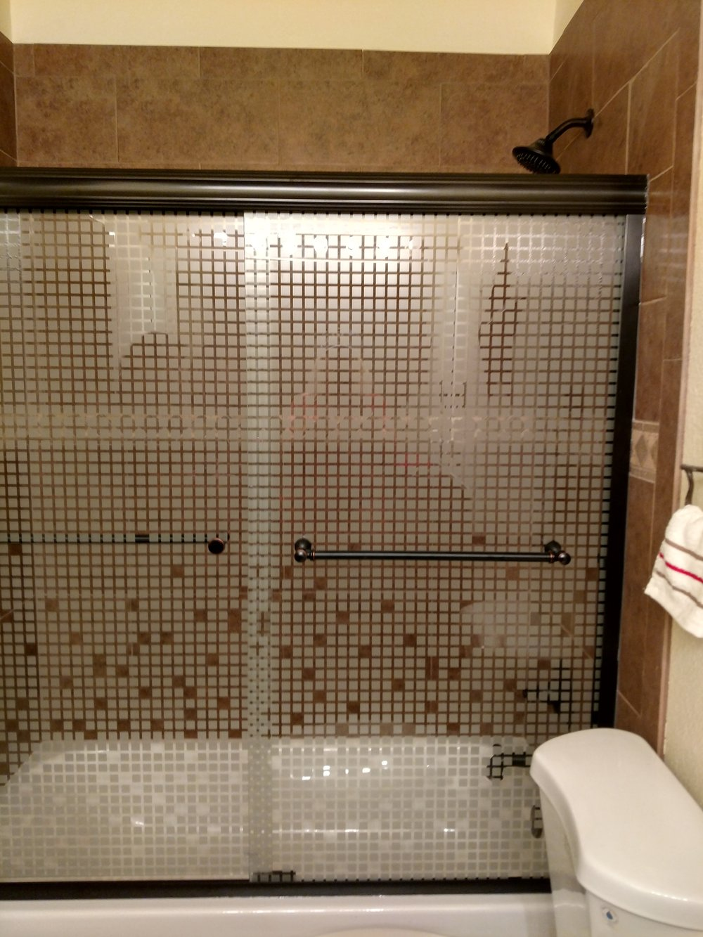 Howdy Roo Room Shower