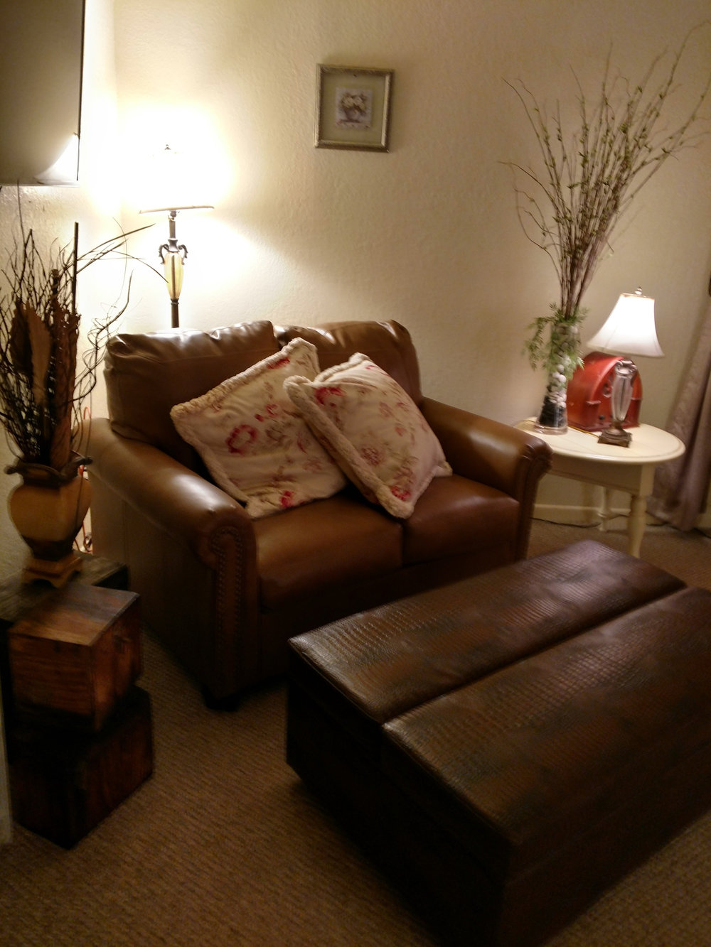 Grande Room Love Seat